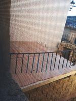 Sobre la construcción al lado de una pared no medianera