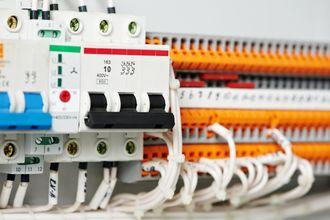 ¿Cuánto cuesta cambiar el cuadro eléctrico de una casa?