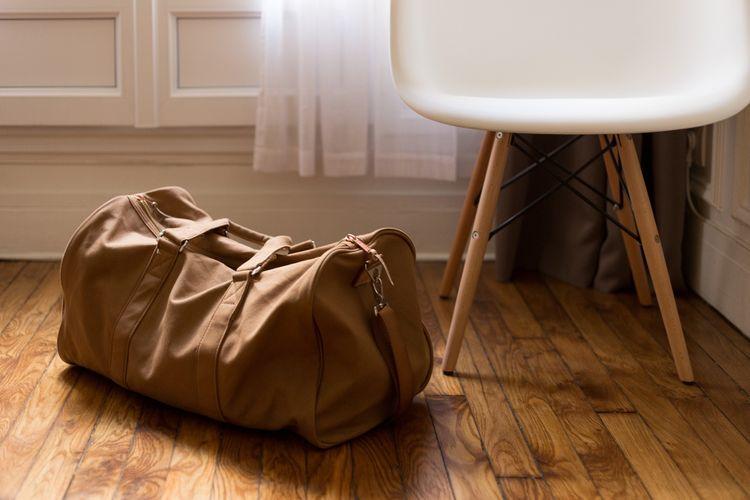 equipaje en apartamento turístico