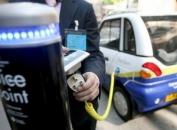 Endesa presenta el primer punto de recarga que permite al vehículo eléctrico devolver su energía a la red