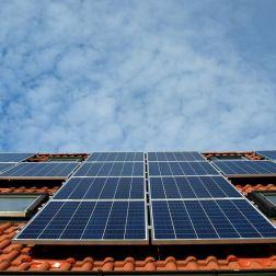Placas solares en edificios de nueva construcción