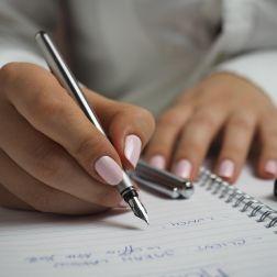 ¿Cuánto tarda un notario en preparar unas escrituras?