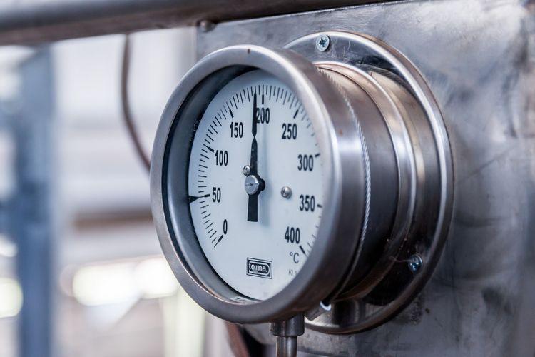 indicador presión caldera gas