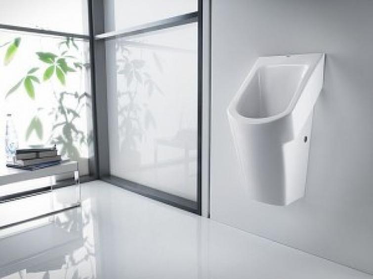 Roca presenta Flushfree Urinal, un urinario que funciona sin agua