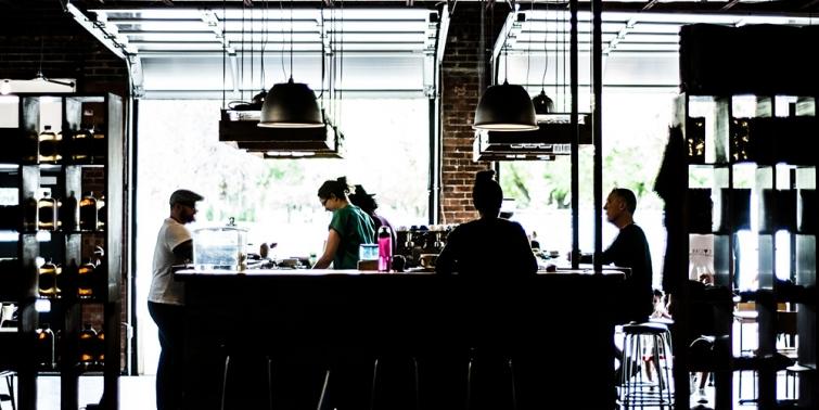 Cuánto cuesta abrir un bar?