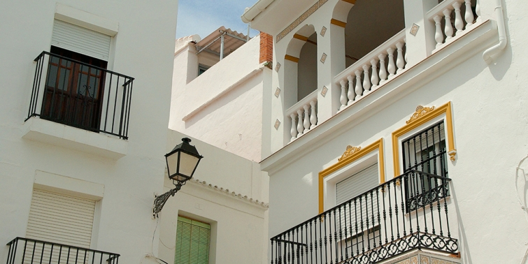 Cu nto cuesta arreglar la fachada de una casa o edificio - Cuanto cuesta hacer una casa de dos plantas ...