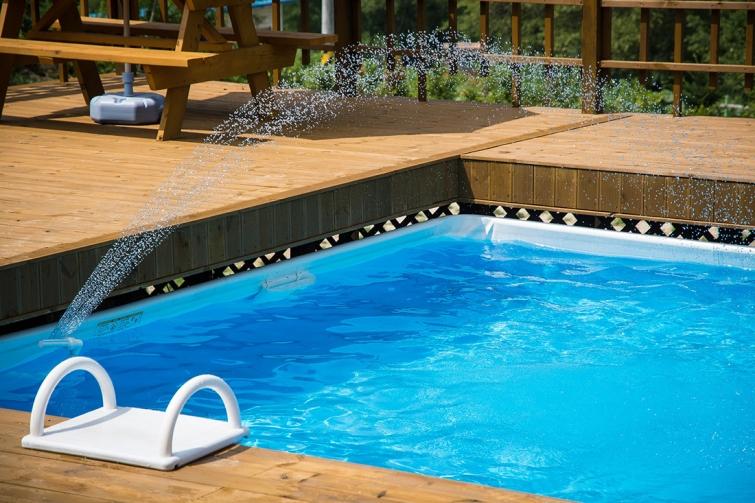 ¿Se puede enterrar una piscina desmontable?