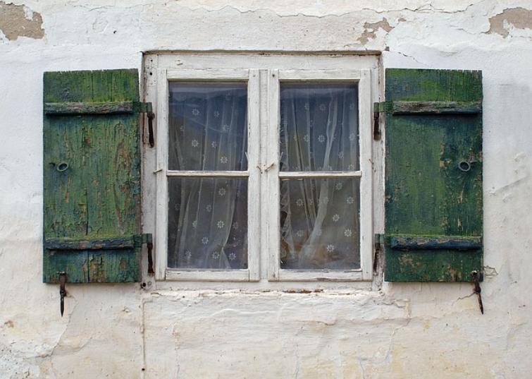 ventana mal aislada