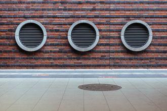 ¿Cómo se calcula la ventilación natural de una vivienda?